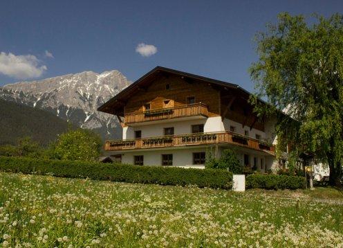 Ferienwohnungen auf dem Zauscherhof in Tirol nahe Innsbruck Österreich