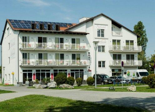 Seehotel Herlinde direkt am Ufer des Neusiedlersees in Podersdorf